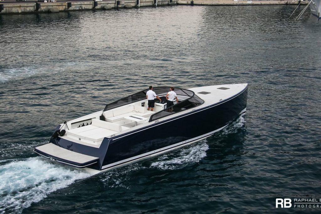 Tender To yacht Ulysses (VanDutch 40) – 12m – VanDutch