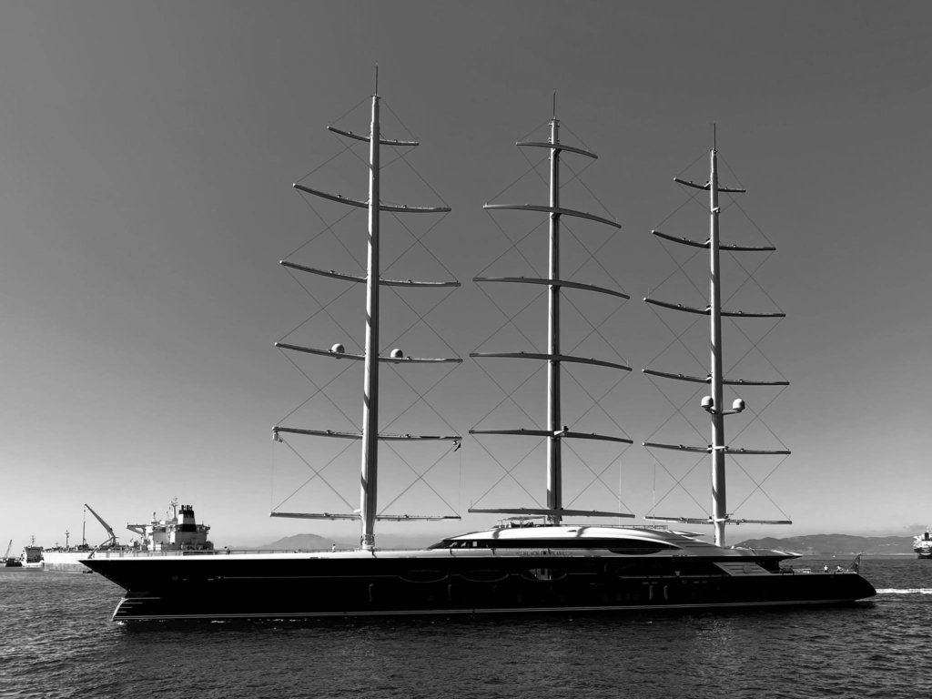 sailing yacht Black Pearl