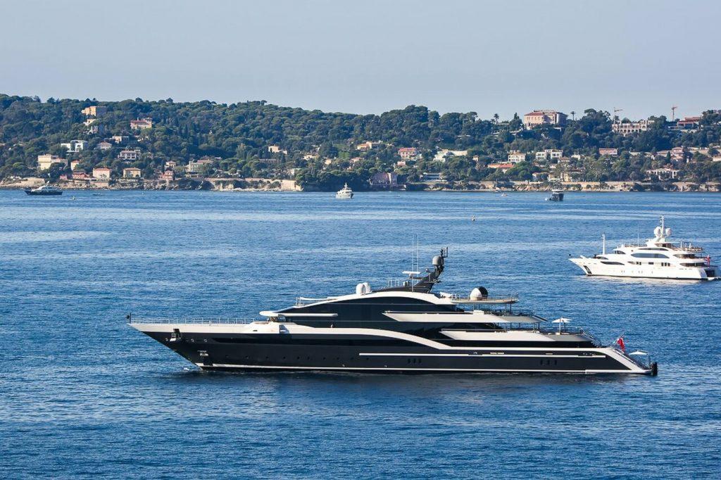 yacht Dar – 90m – Oceanco - Ziyad Al Manaseer