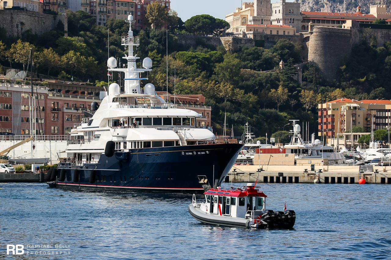 Hampshire II – 78m – Feadship & TT Hampshire II (Safe 38 Full Cabin) – 11,9m – Safe Boats