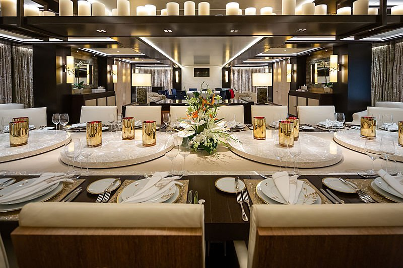 yacht Tranquility interior