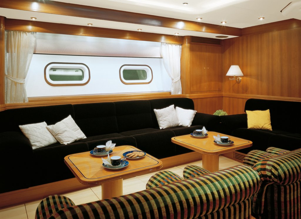 yacht Visione Interior