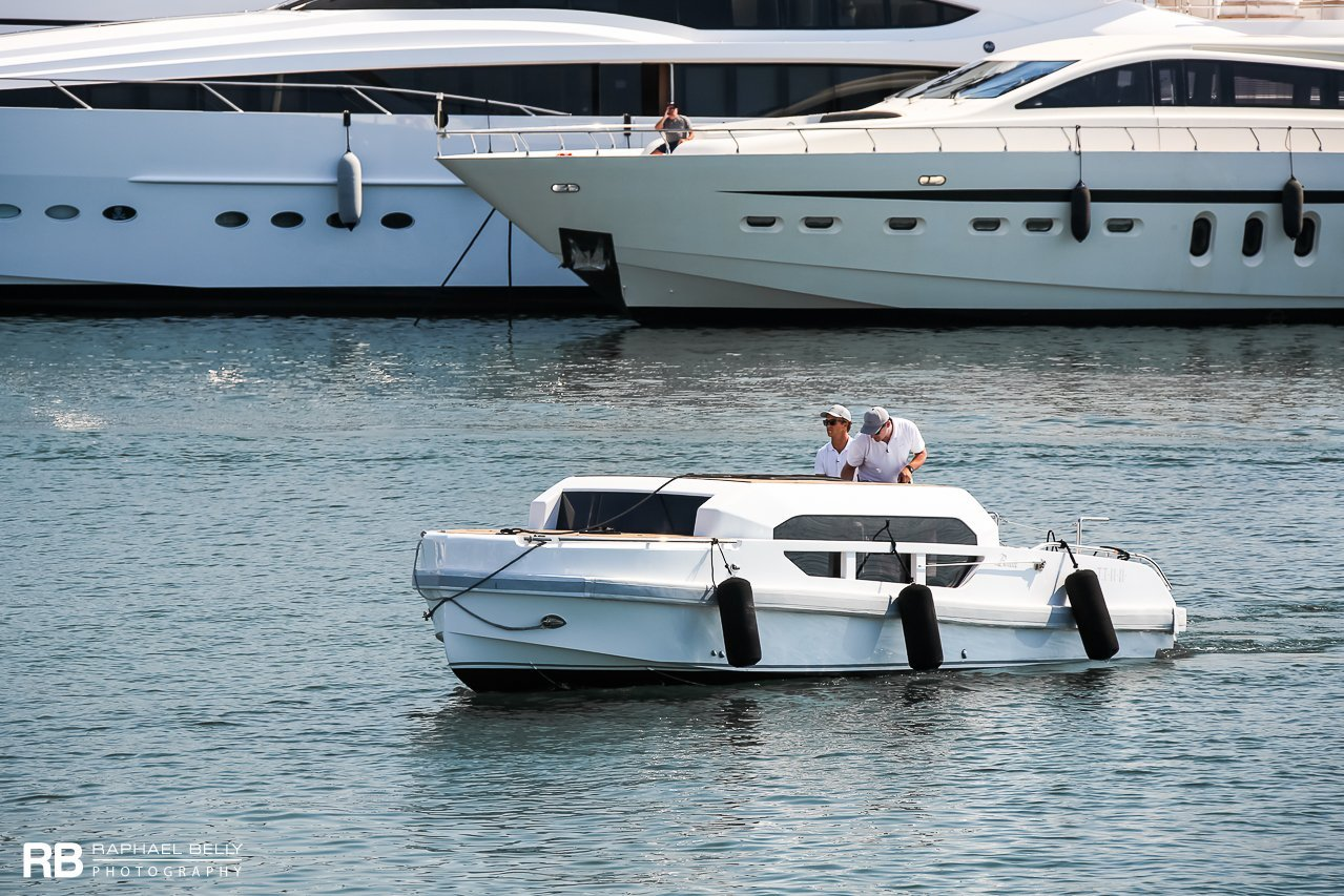 tender to 11-11 (Limousine) - 8m - Benetti