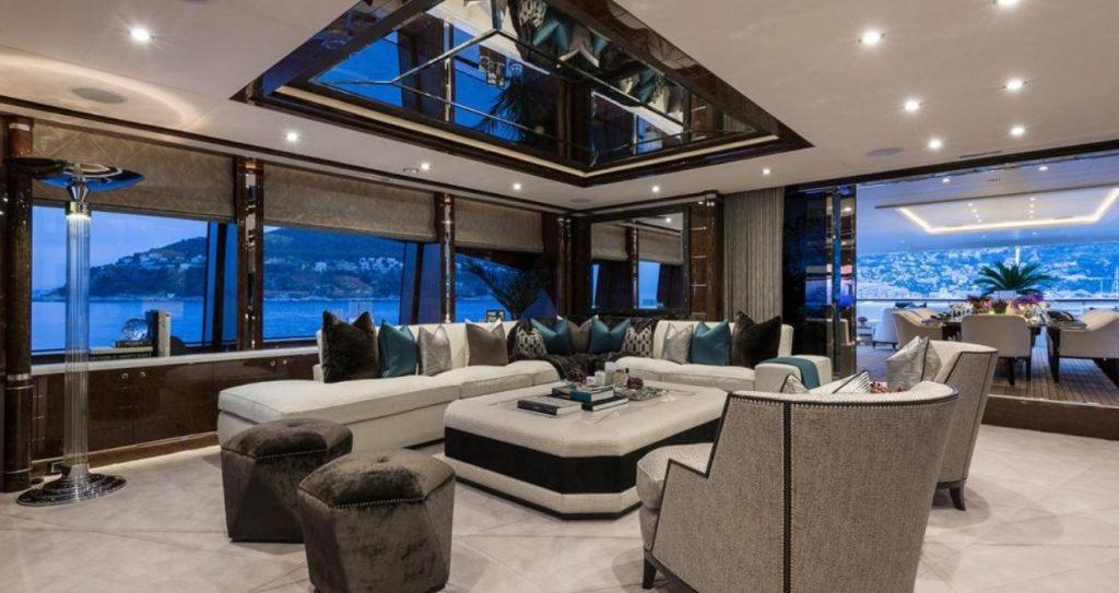 yacht - 11 11 - interior