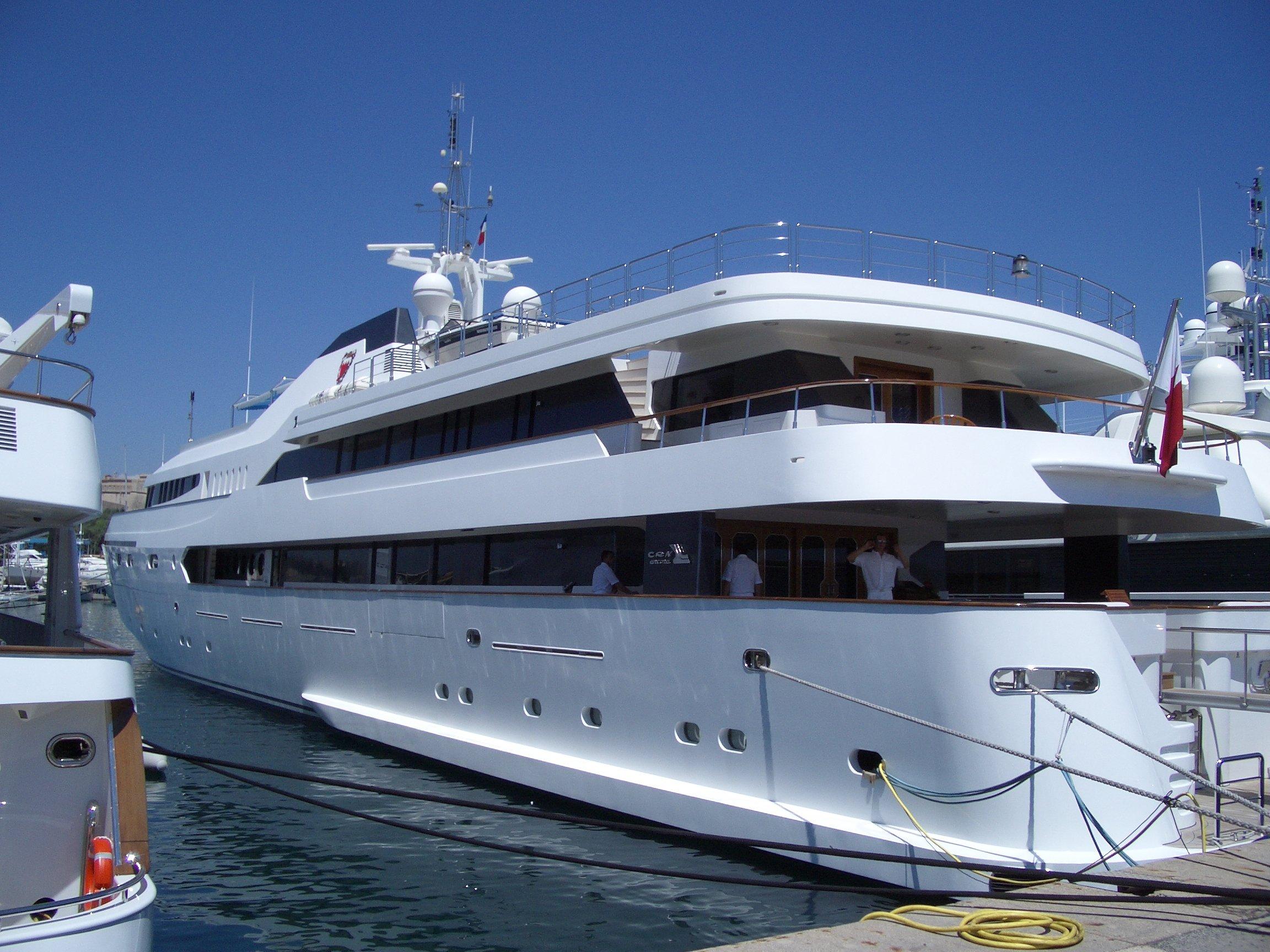 yacht Alwaeli