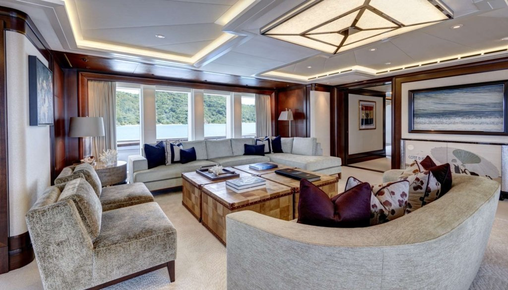 yacht Hampshire interior