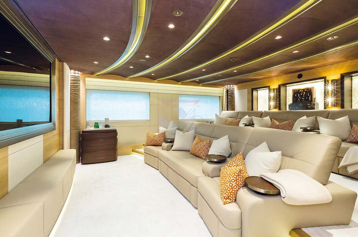 yacht Here Comes The Sun interior