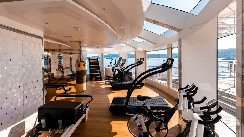 yacht Lady S interior
