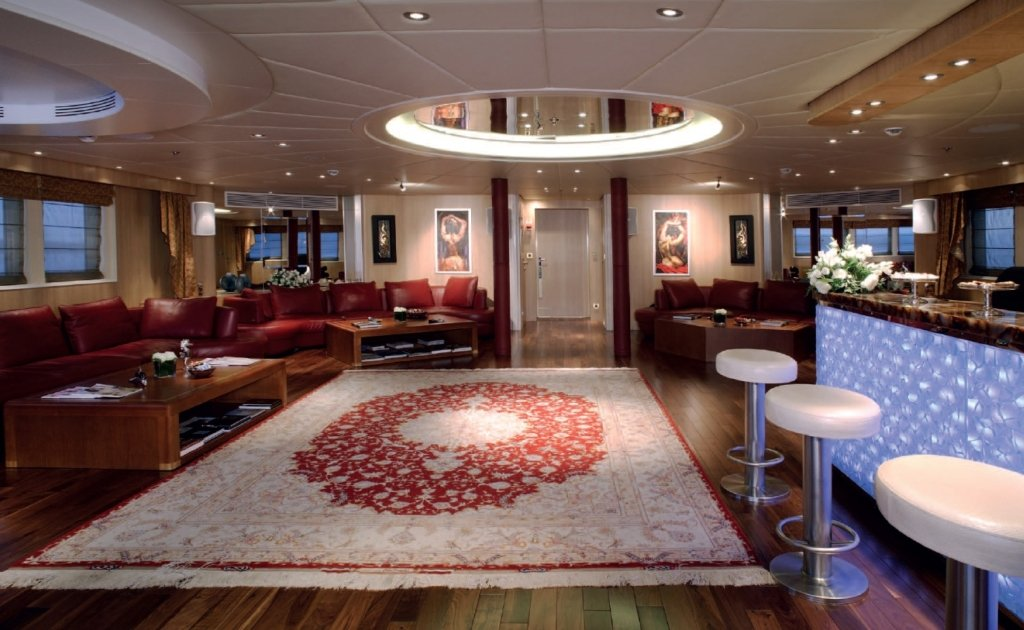 yacht Moonlight interior
