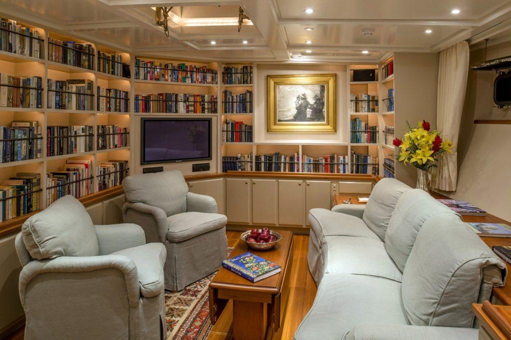 yacht Rebecca interior