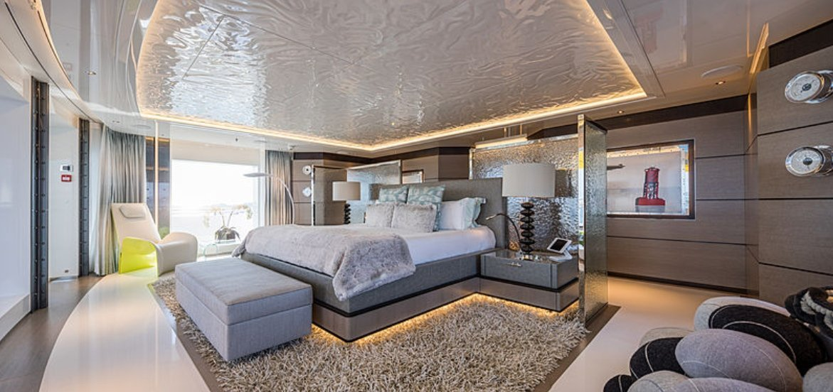 yacht Scout interior