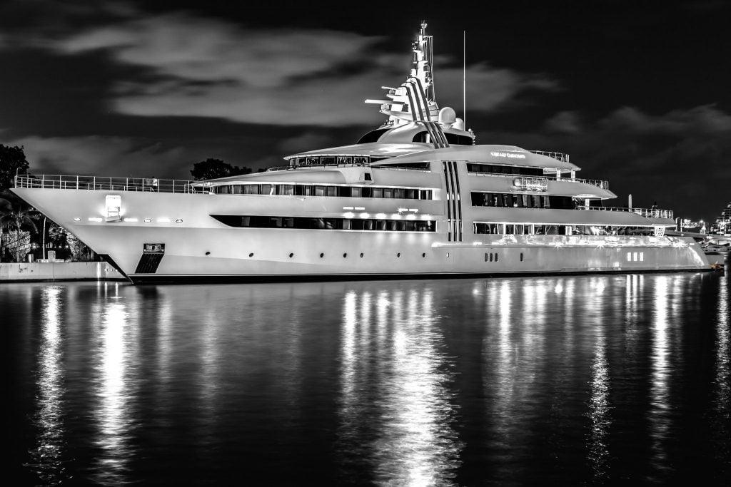 Vibrant Curiosity yacht