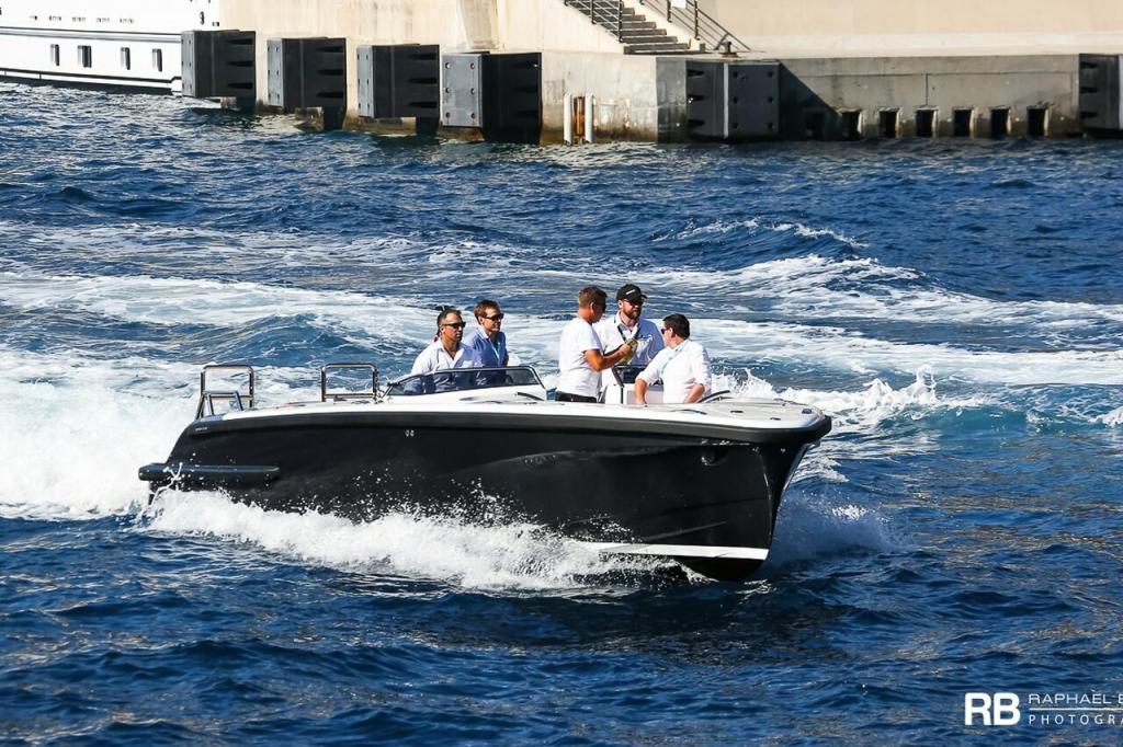 Luxury Yacht Tender To Elandess (Open Limousine) – 10m – Pascoe International