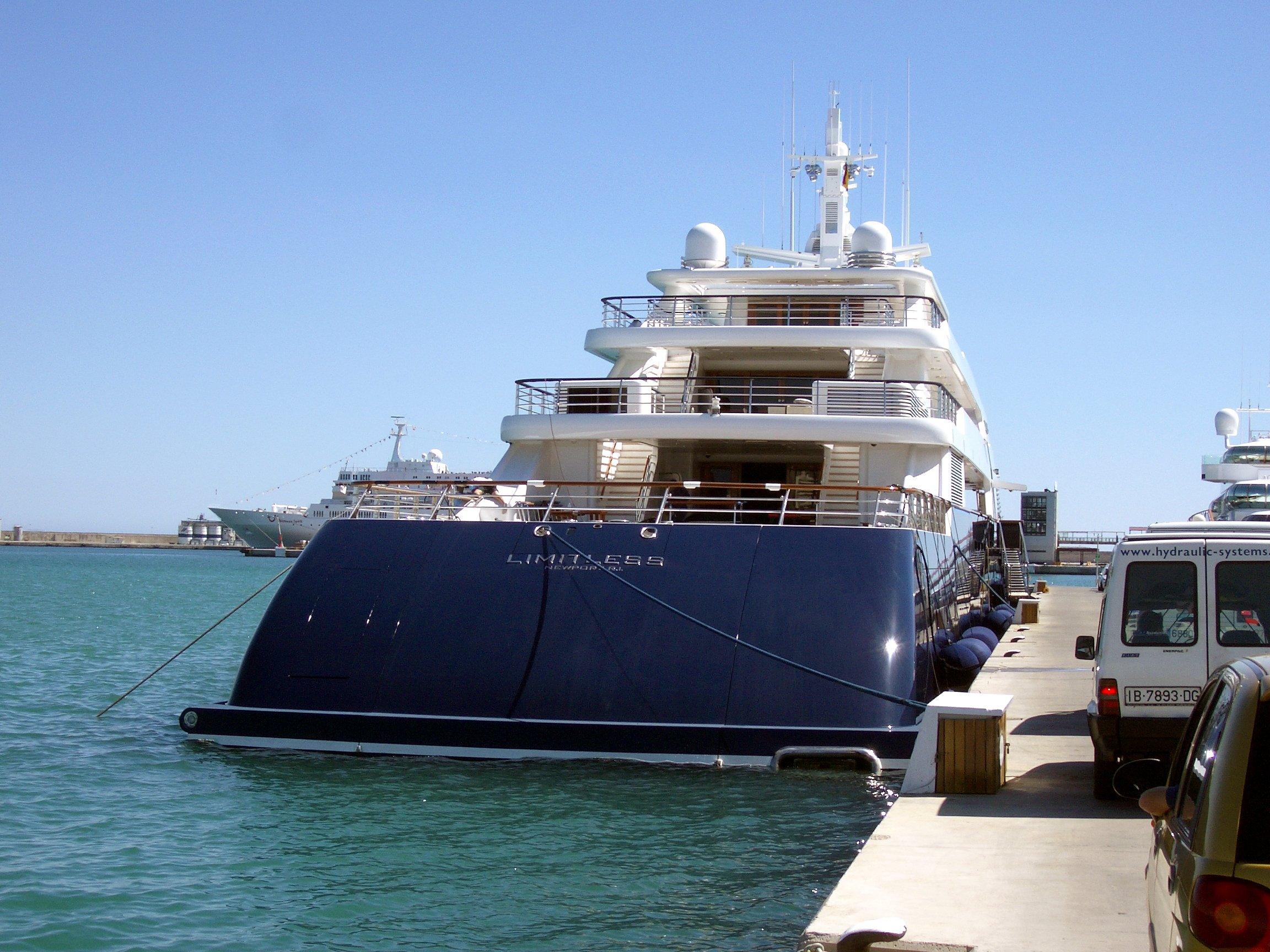 Limitless yacht - Leslie Wexner