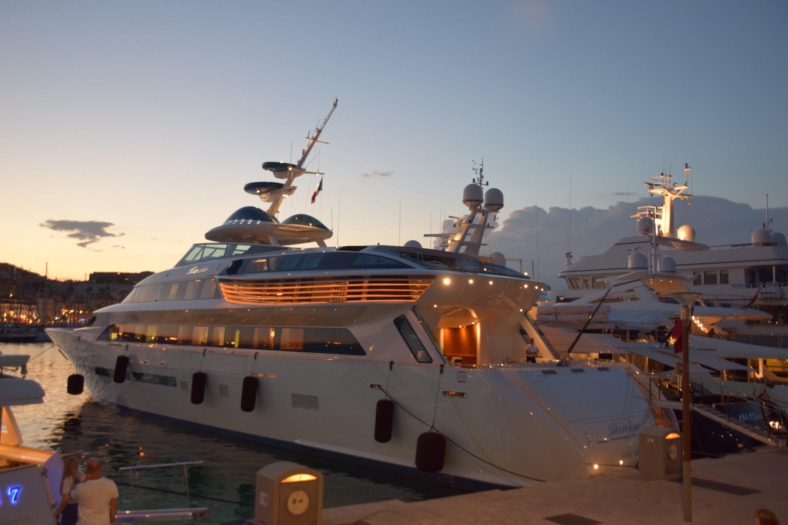 yacht Alamshar