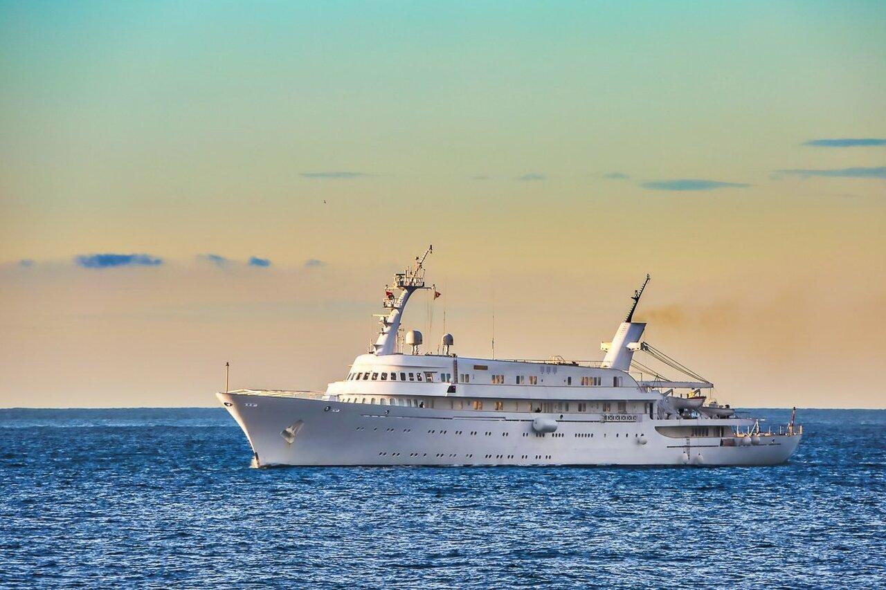 yacht Atlantis II – 116m – Hellenic Shipyards - Niarchos family