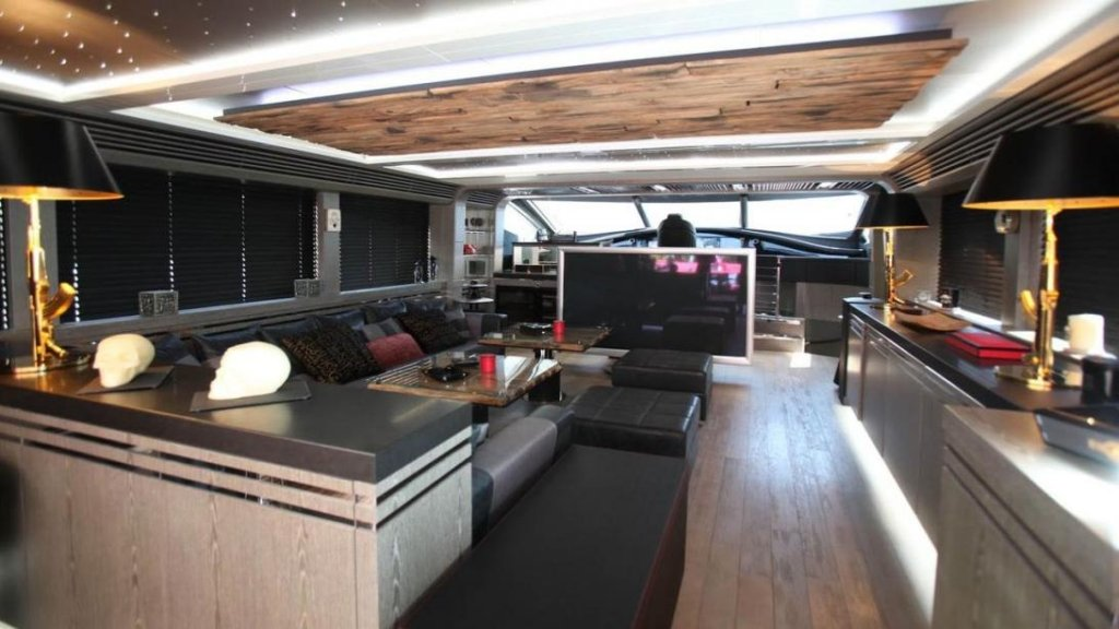 yacht Black Legend interior