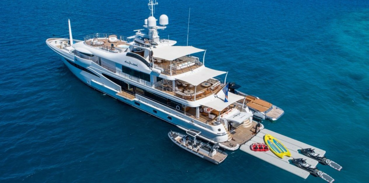 Driftwood yacht (Amels)