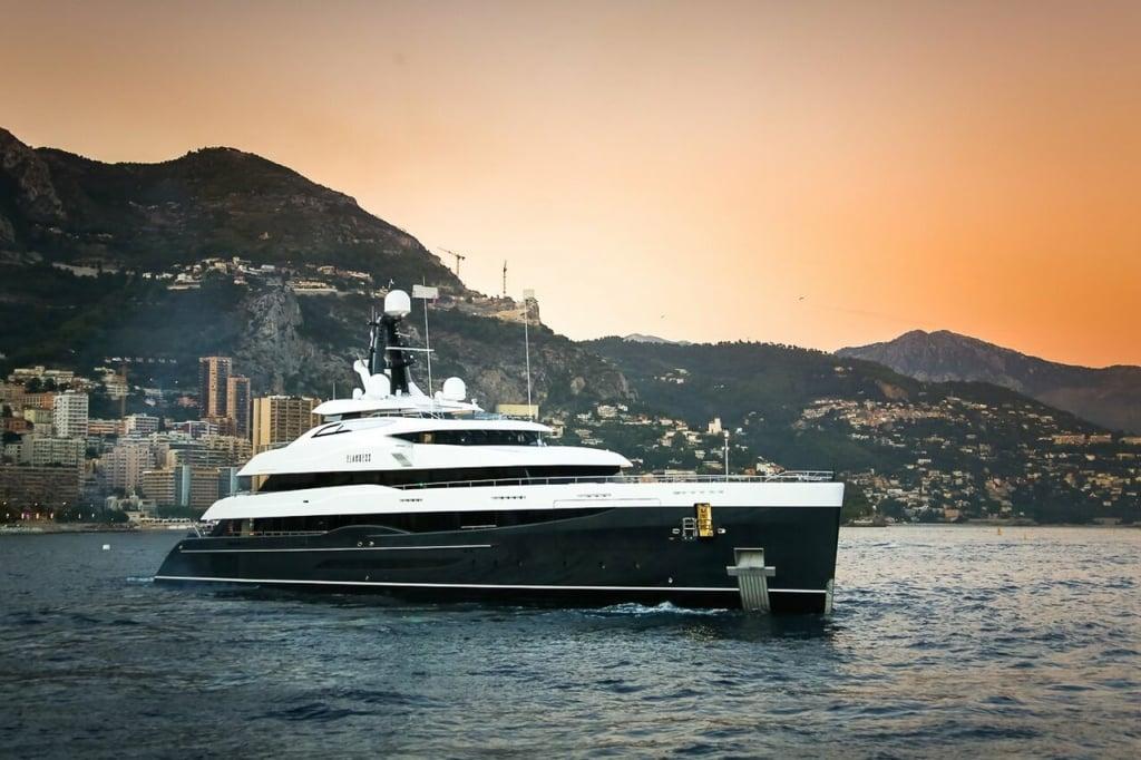 yacht Elandess