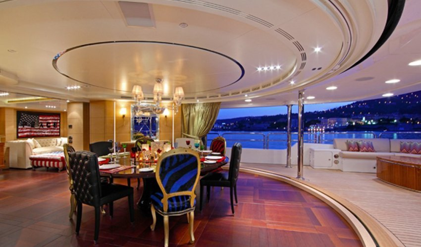 yacht Graceful interior