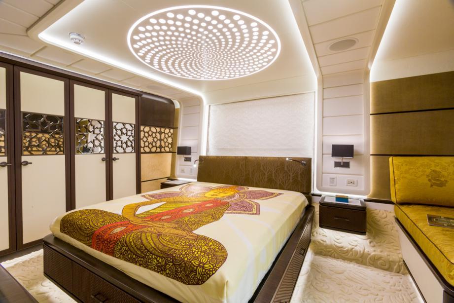 Khalilah yacht interior