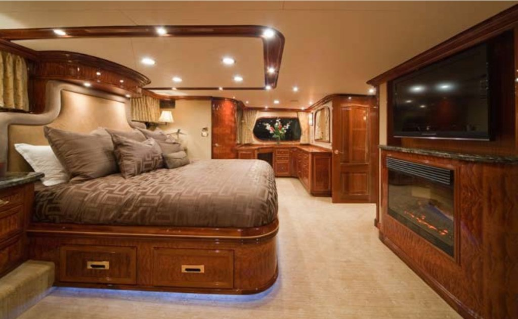 yacht-Leight-Star-interior