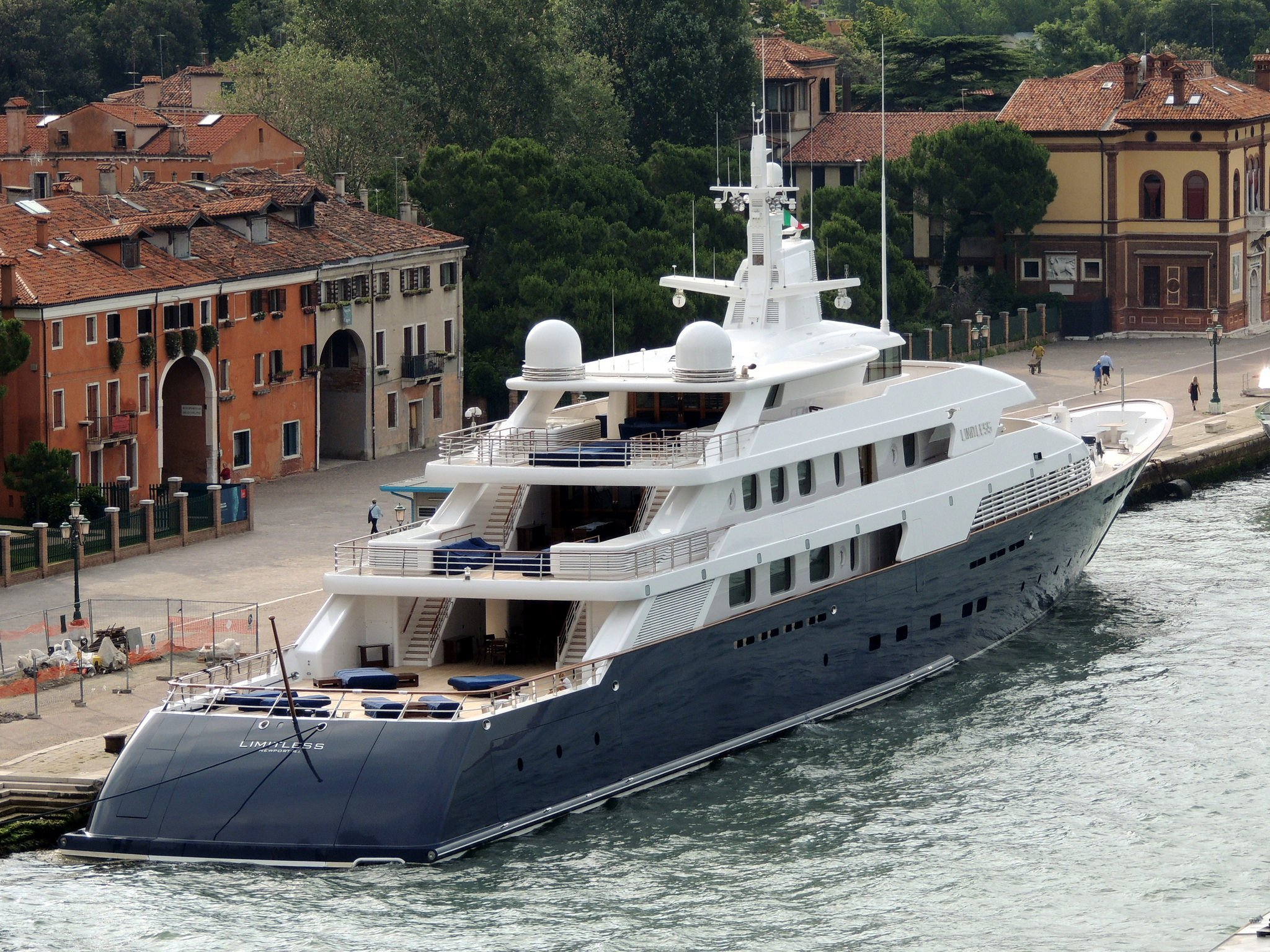 yacht Limitless