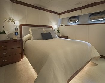 Privacy yacht interior