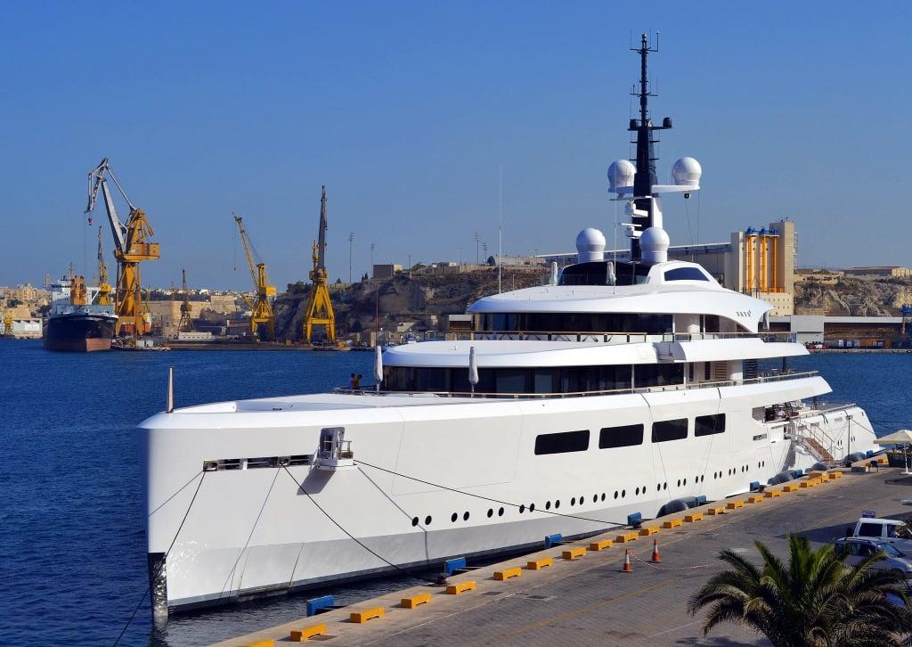 yacht Vava ii