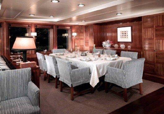 yacht Anawa interior