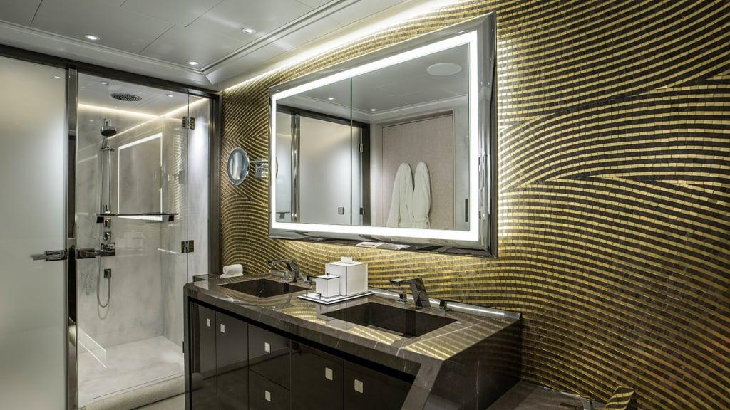 yacht Elandess interior