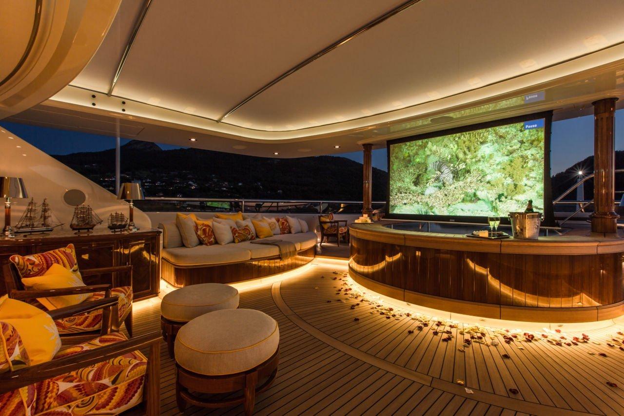 yacht Sea Owl interior