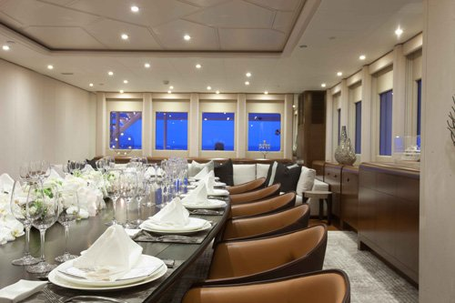 yacht White Rabbit interior