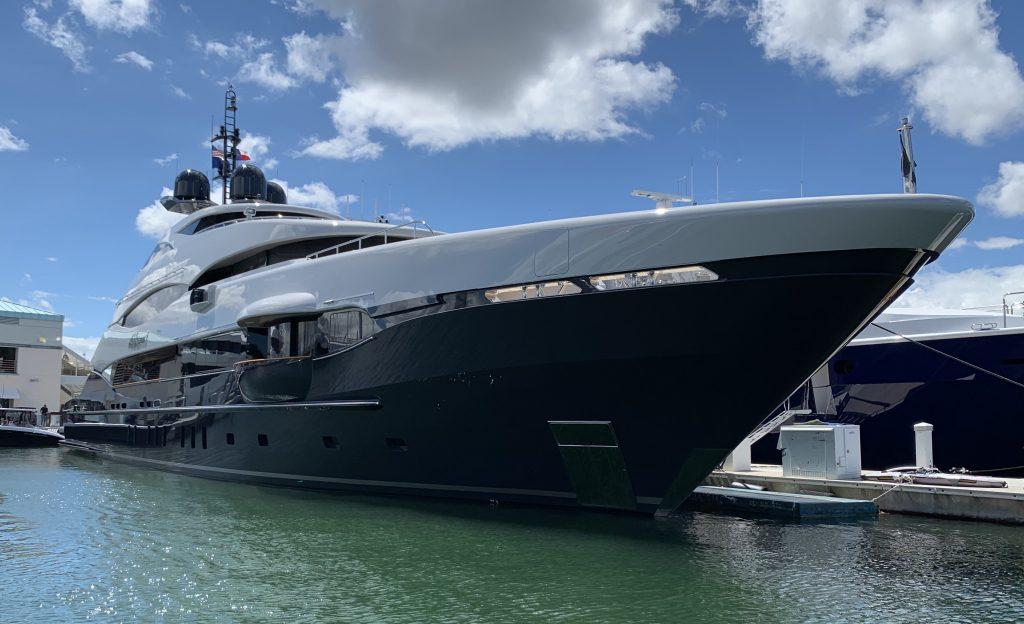 yacht Abbracci - Heesen - 2012 - Paul Andrews