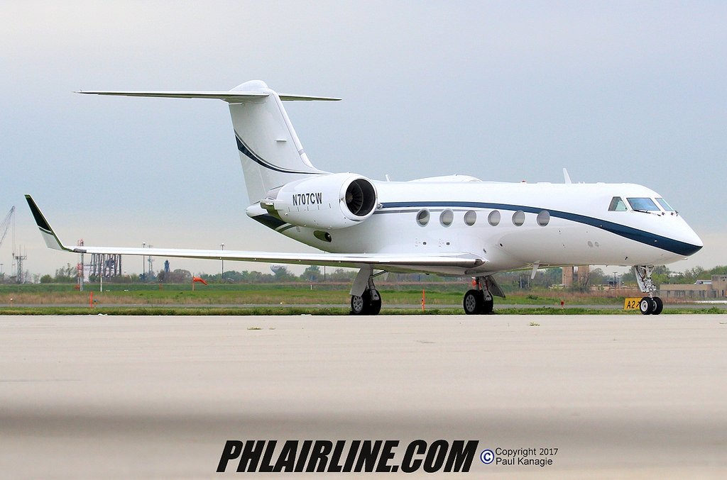 N707CW Gulfstream GIV Charles West private jet