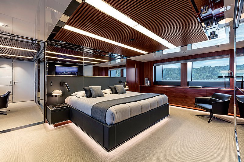 Riva yacht Race interior