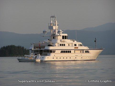 yacht Ice Bear