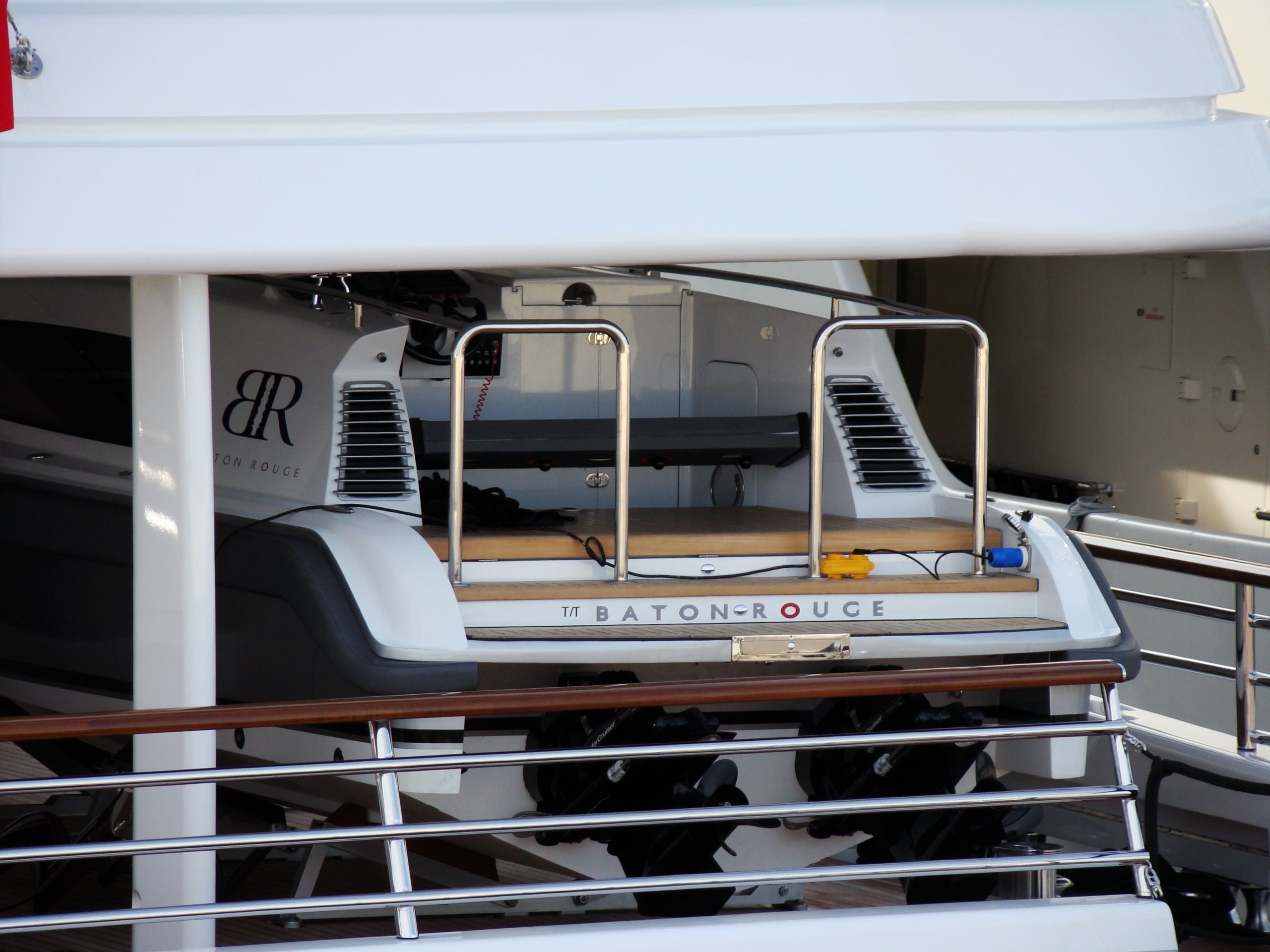 tender to yacht Baton Rouge