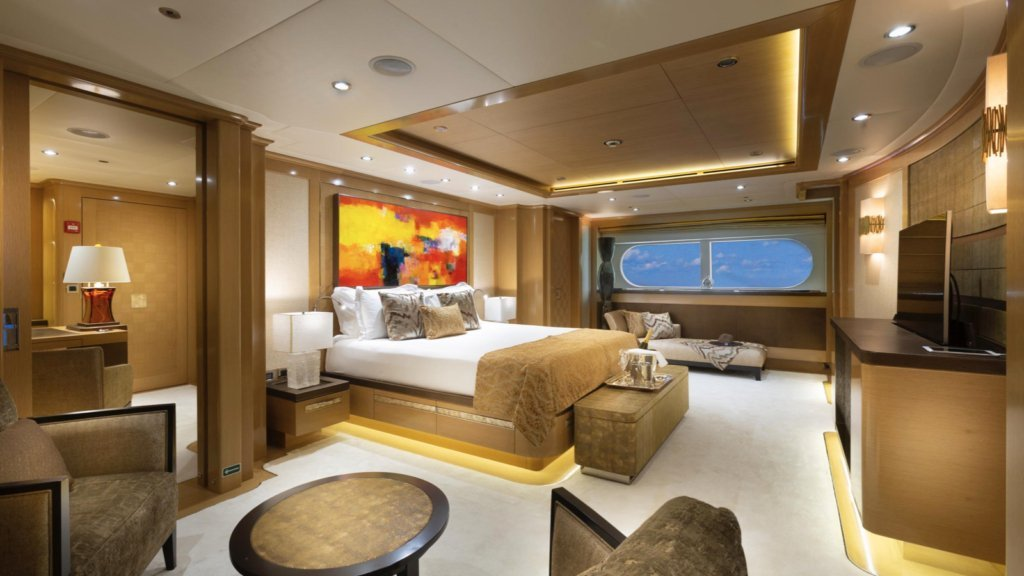 yacht-Atomic-interior
