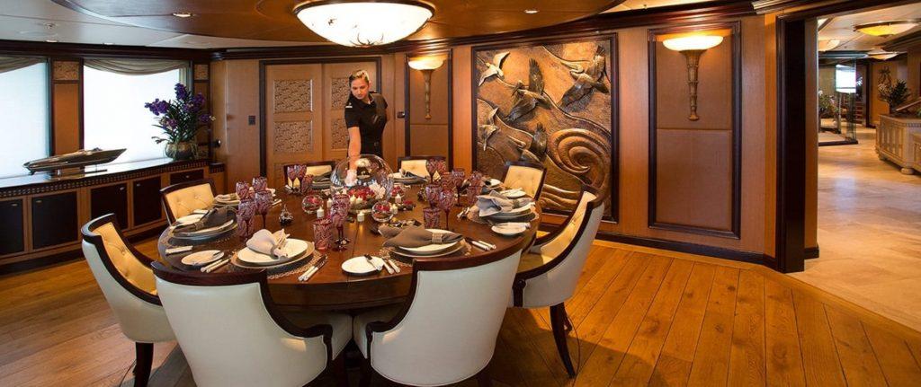 yacht Cocoa Bean interior