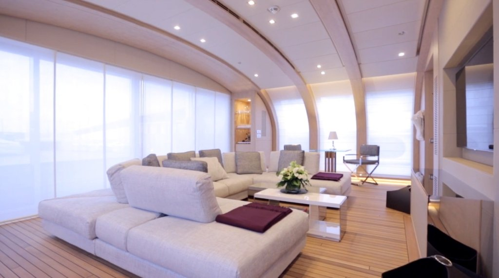 yacht Crazy Me interior