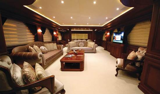 yacht Fly Me To The Moon interior