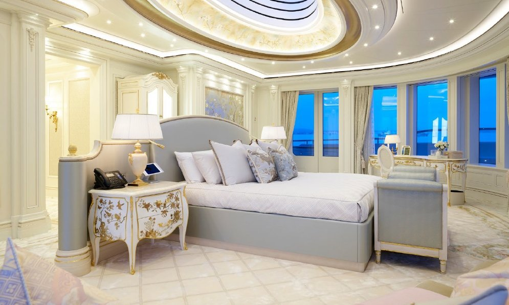yacht Lady Gulya interior
