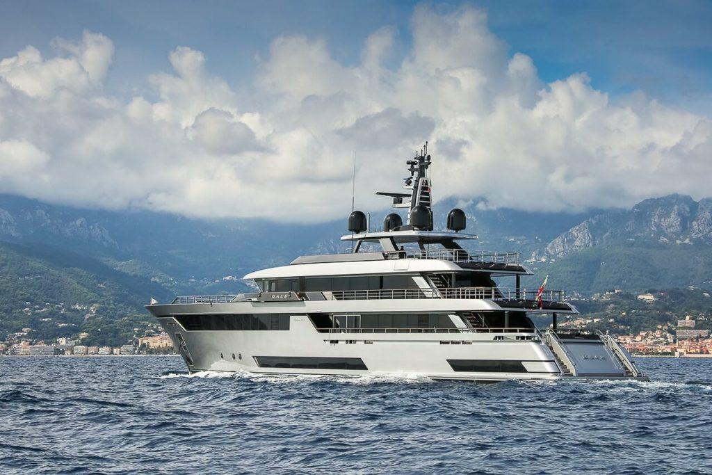 yacht Race (Riva 50) - 50m - Riva