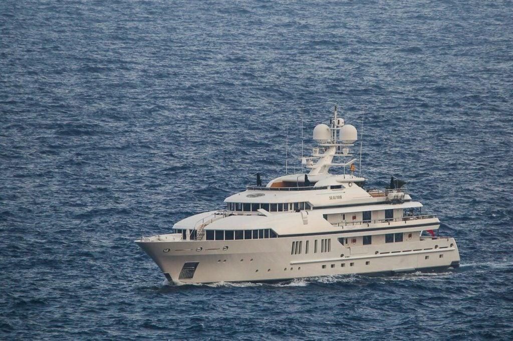 yacht Sealyon