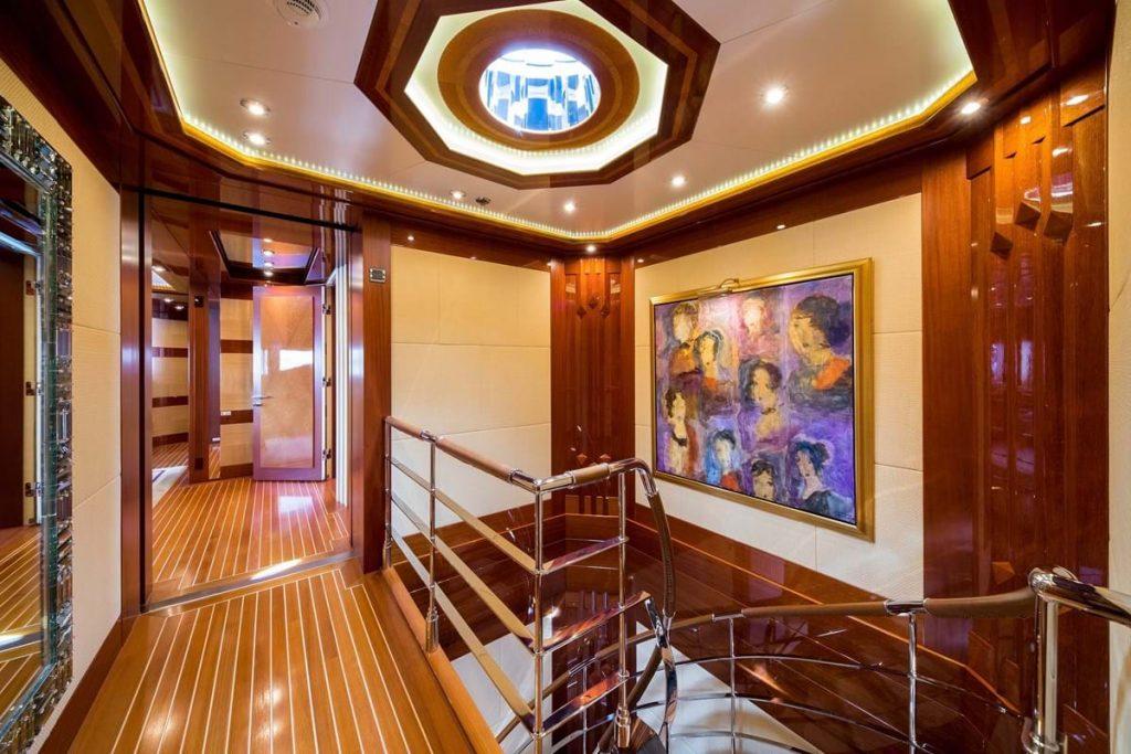 yacht Lady Sheridan interior