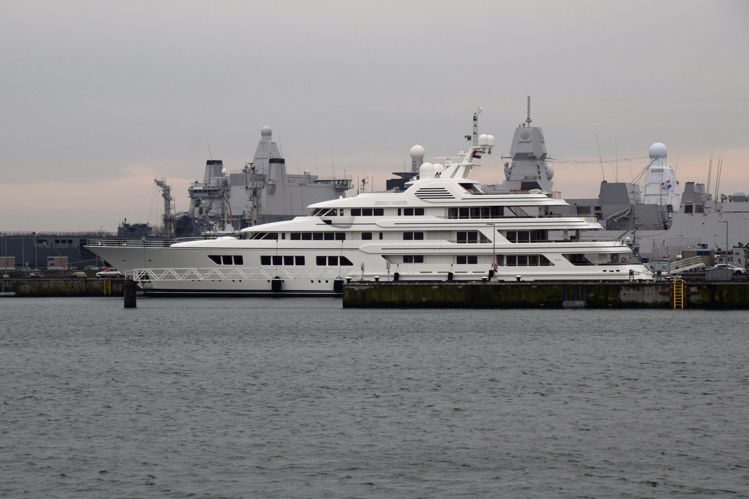 Ebony Shine yacht – Feadship – 2008 – Teodoro Nguema Obiang Mangue