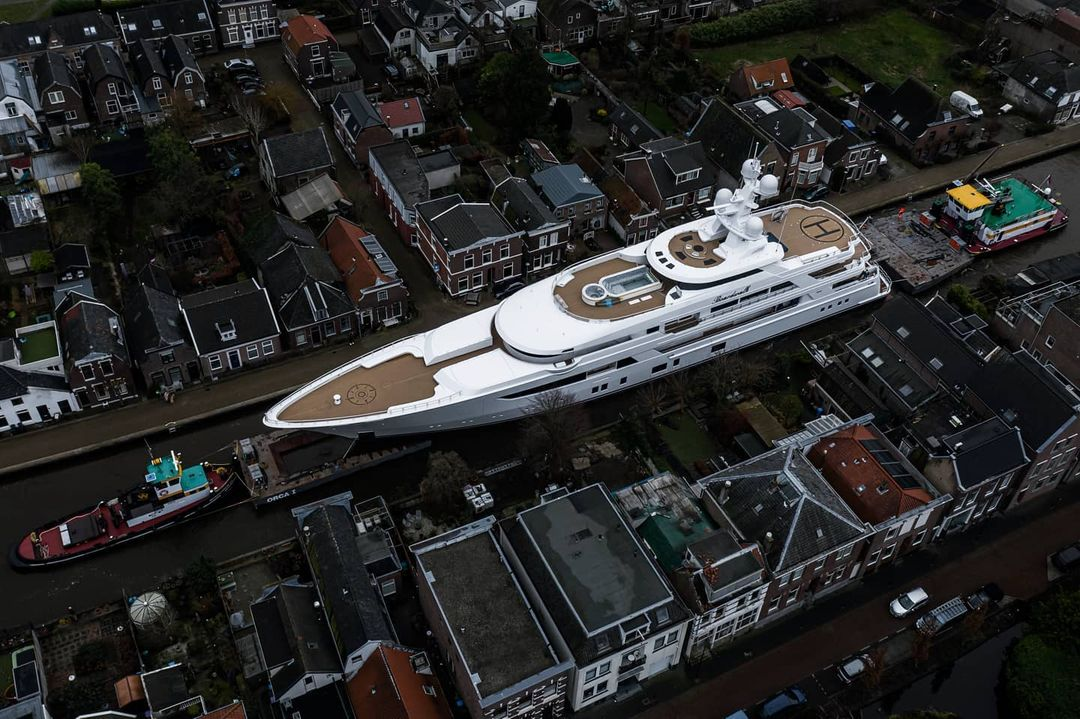 Feadship yacht Boardwalk