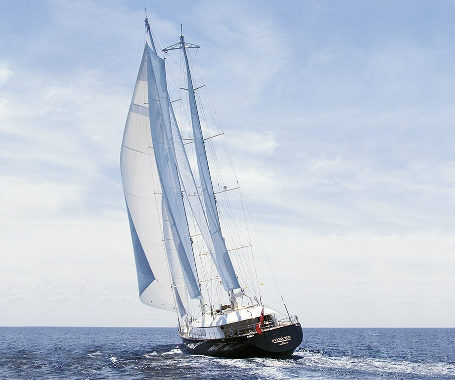 Sailing yacht Rock and Roll (Phryne)