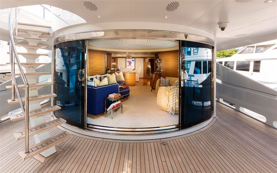 Totally-Nuts-yacht-interior